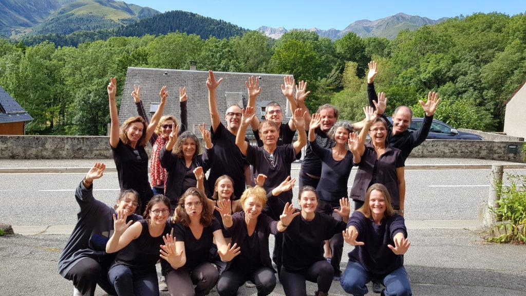 Stage de théâtre collectif à la montagne avec Zanni Compagnie